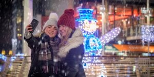hotels near leeds christmas market