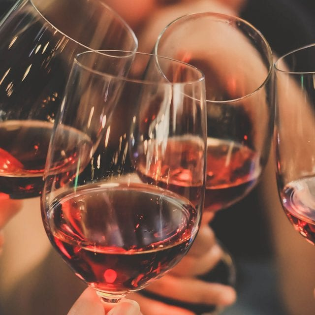 wine glasses c;inking